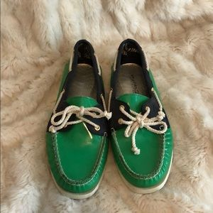 Sperry Topsider patent leather boat shoes